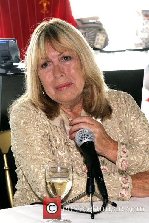 Cynthia Lennon and Beatles 1