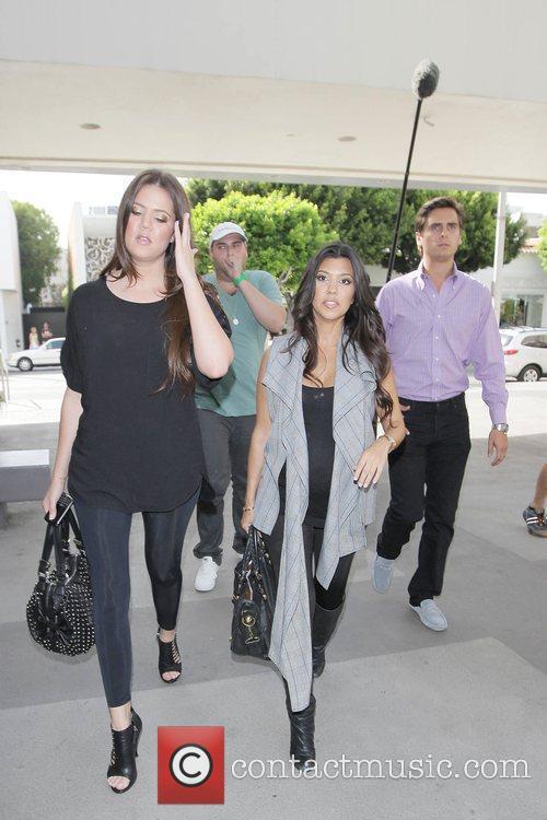 Khloe Kardashian and Kourtney Kardashian 3