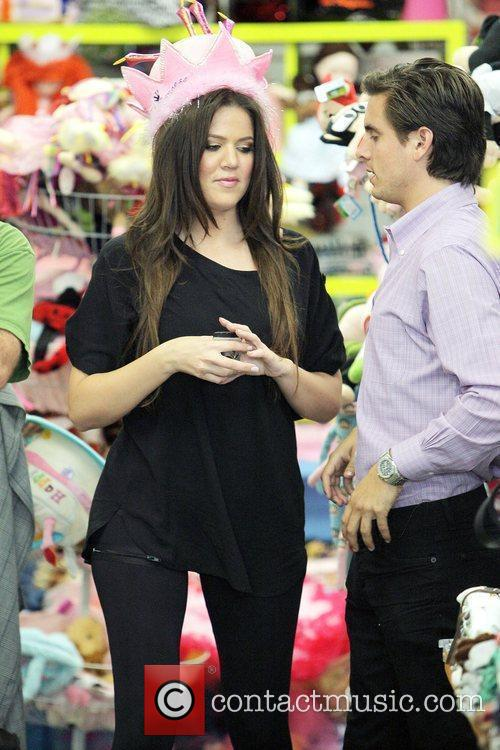 Khloe Kardashian Shopping With Her Sister At Kitson For Kids While Filming A Segment For Their Reality Tv Show 9
