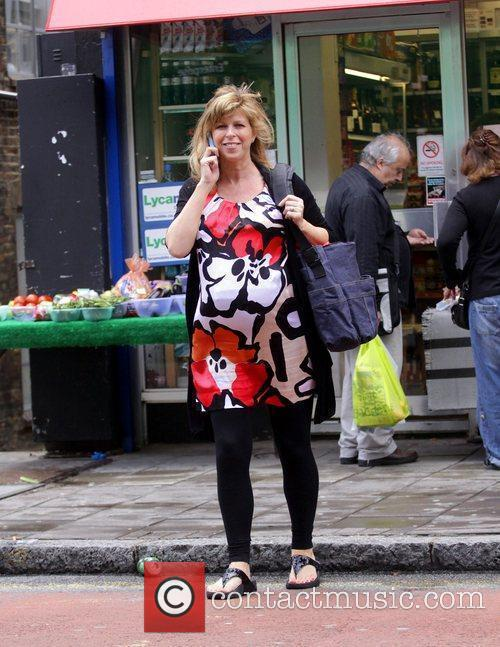 A Heavily Pregnant Kate Garraway Crossing The Street Talking On Her Mobile Phone 4