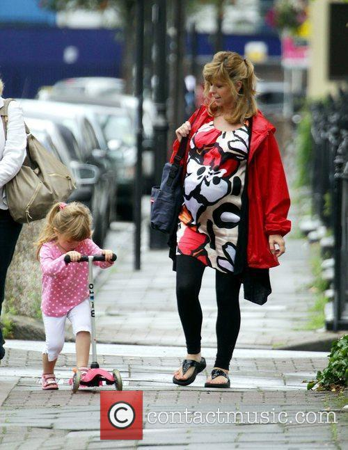 A Heavily Pregnant Kate Garraway Goes For A Stroll With Her Mother 10