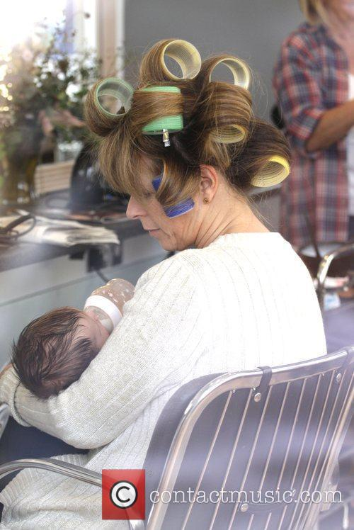 Kate Garraway Feeds Her Son William At The Hairdressers 1