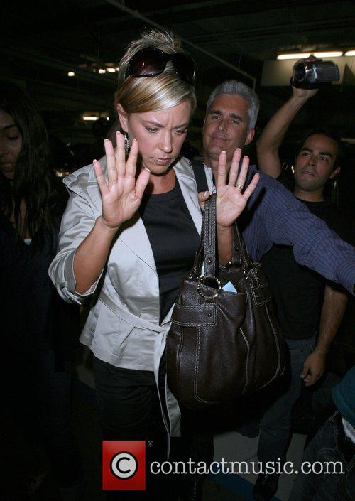 Kate Gosselin Is Greeted By A Frenzy Of Photographers As She Arrives At Loeb 8