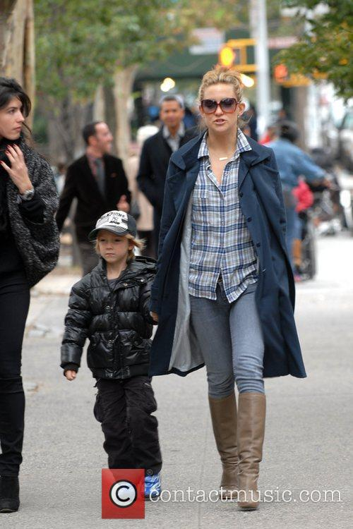Kate Hudson and her son  head to...