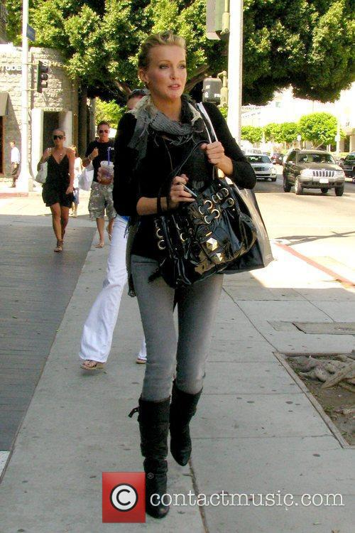 Katie Cassidy and Melrose Place 10