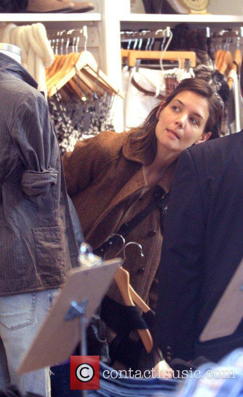 Katie Holmes shopping in Madewell in Soho New...