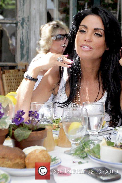 Katie Price having lunch at The Ivy restaurant...