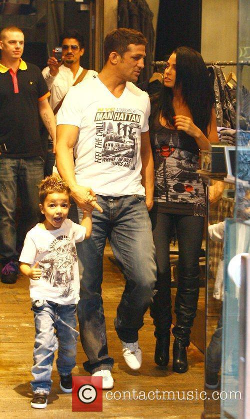 Katie Price, aka Jordan, with boyfriend Alex Reid and her son Junior 6