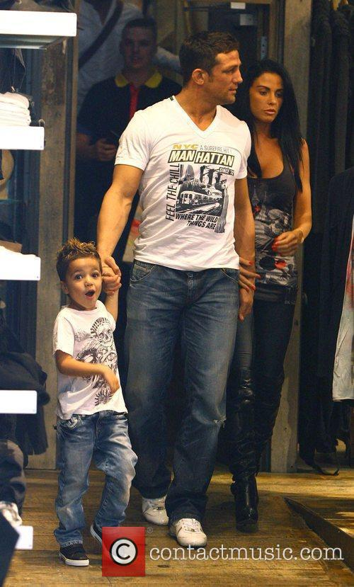 Katie Price, aka Jordan, with boyfriend Alex Reid and her son Junior 4