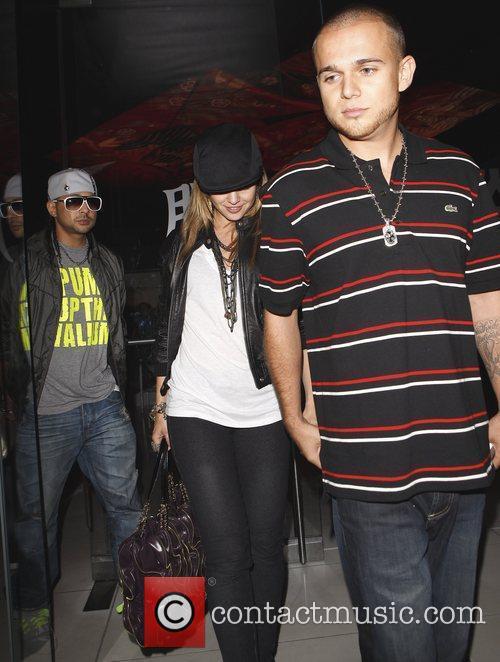 Mena Suvari and Her Fiance Simone Sestito Leaving Katsuya Where They Dined With Sestito's Close Pal Sean Paul 3