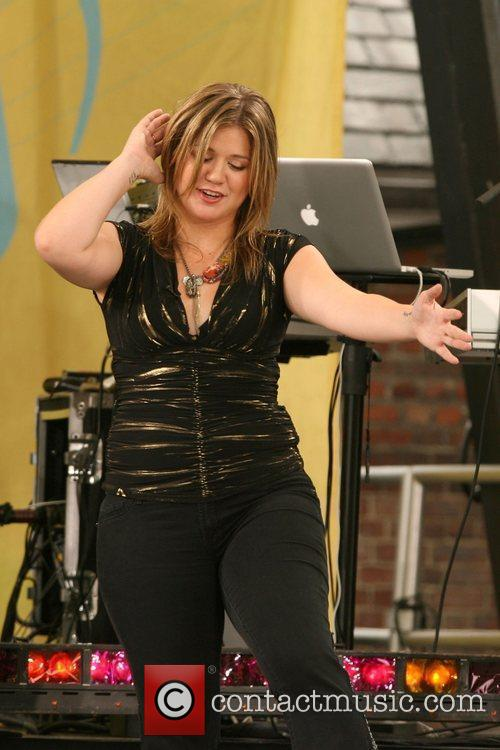 Kelly Clarkson 22