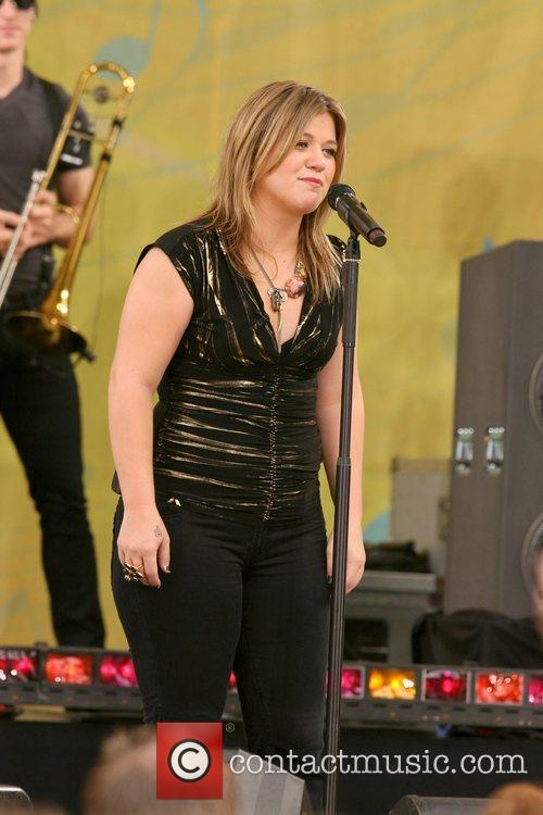 Kelly Clarkson 4