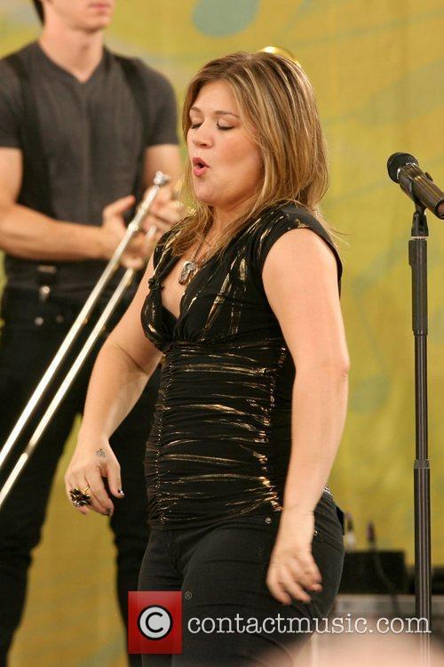 Kelly Clarkson 24
