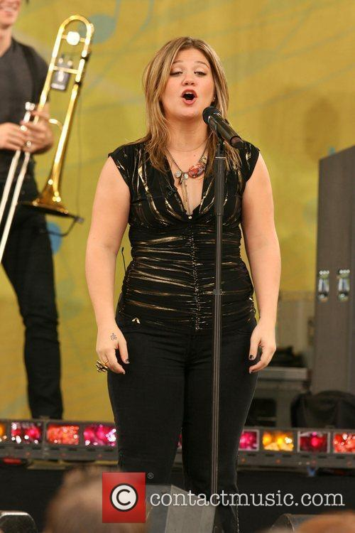Kelly Clarkson 7