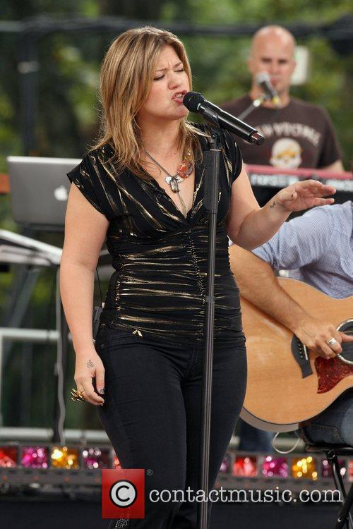 Kelly Clarkson 3