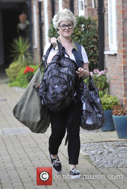 A Bag-laden Kelly Osbourne 7
