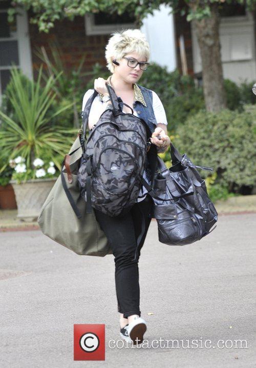 A Bag-laden Kelly Osbourne 2