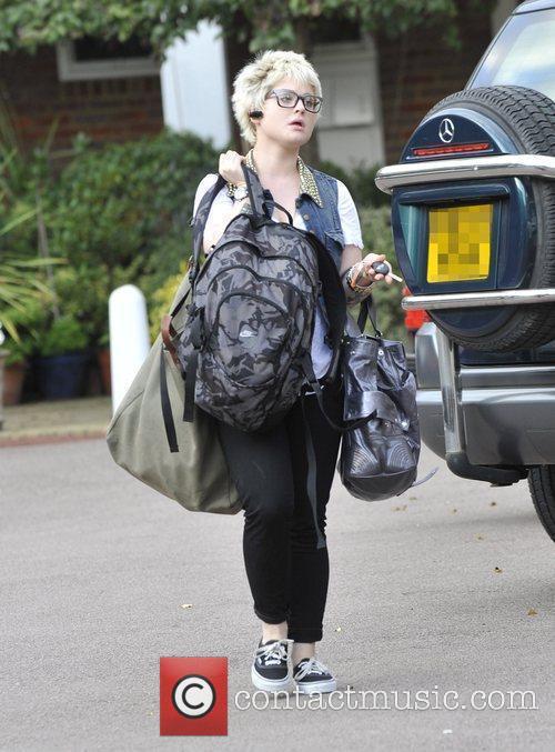 A Bag-laden Kelly Osbourne 3