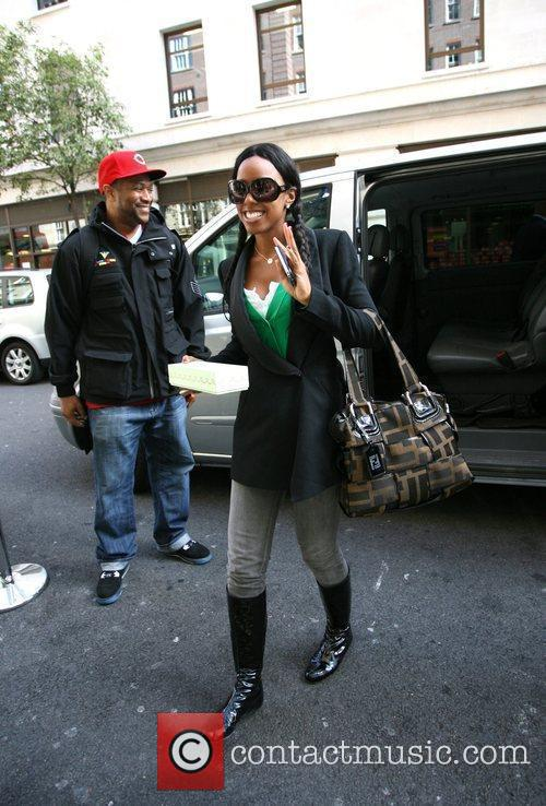 Kelly Rowland arrives at her hotel London, England