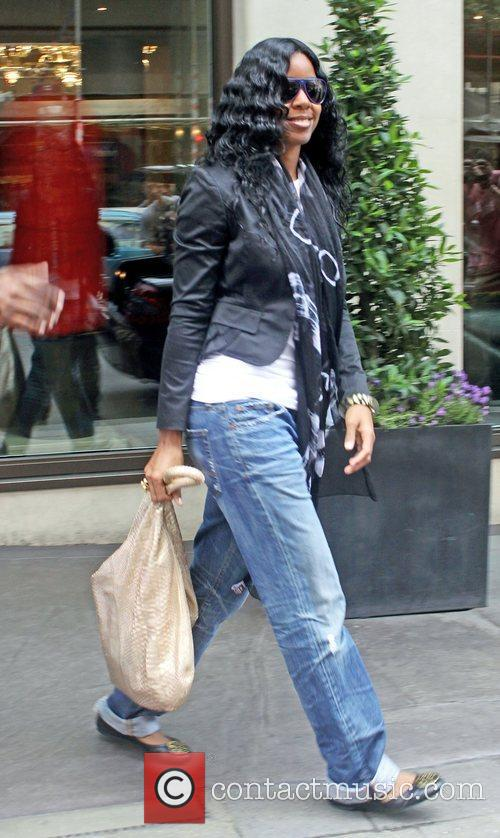 Kelly Rowland leaving her hotel this morning London,...