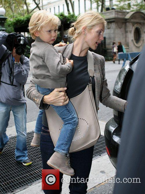 Kelly Rutherford Leaving The Bryant Hotel With Her Son Hermes Giersch 7