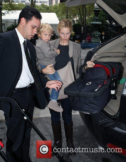 Kelly Rutherford leaving the Bryant Hotel with her...