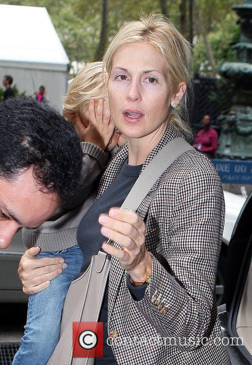 Kelly Rutherford Leaving The Bryant Hotel With Her Son Hermes Giersch 5