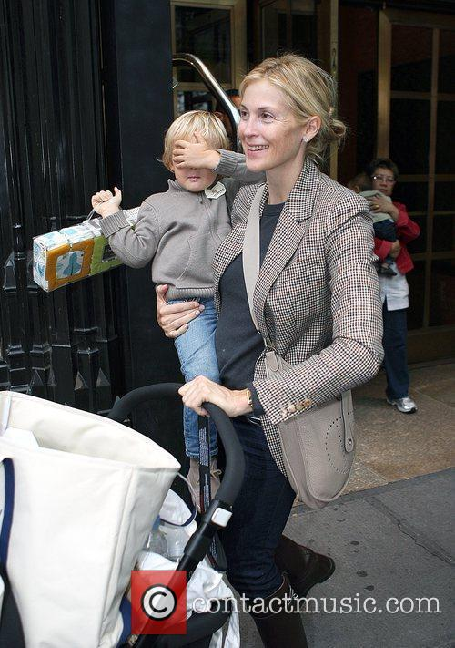 Kelly Rutherford Leaving The Bryant Hotel With Her Son Hermes Giersch 4