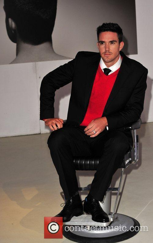 Kevin Pietersen and David Beckham 9