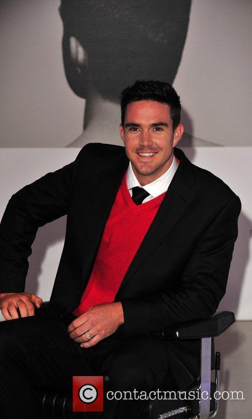 Kevin Pietersen and David Beckham 8
