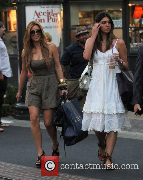 Kim Kardashian and Britney Gastineau 15