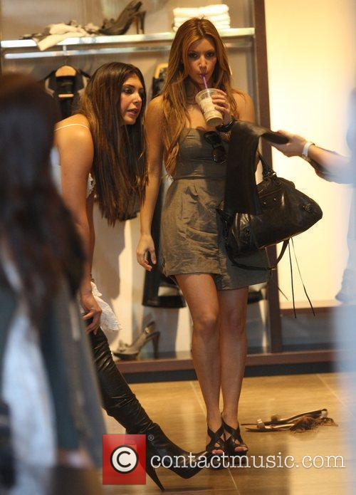 Kim Kardashian and Britney Gastineau 16