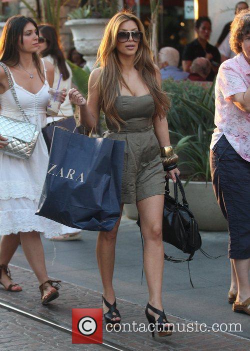 Kim Kardashian and Britney Gastineau 5