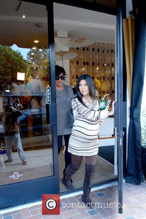 31d479b3ae Kourtney Kardashian - shopping at a baby store in West Hollywood ...
