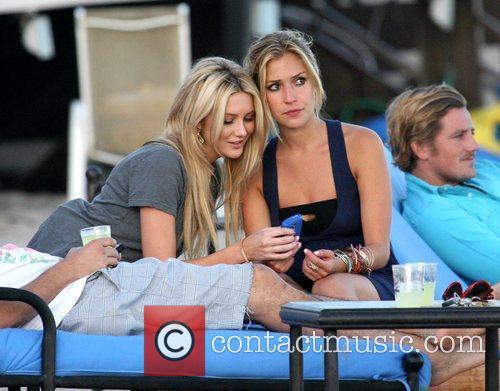 Stephanie Pratt and Kristin Cavallari 5