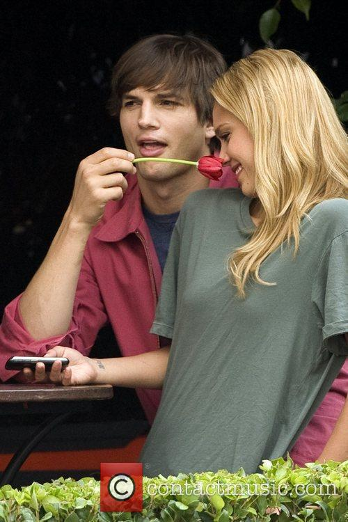Ashton Kutcher and Jessica Alba 5