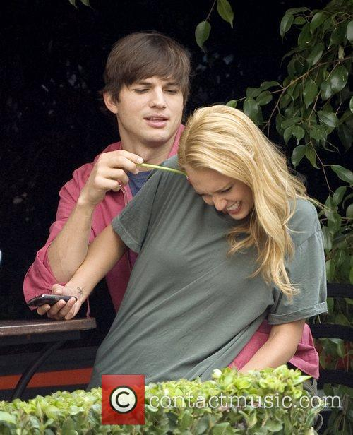 Ashton Kutcher and Jessica Alba 7