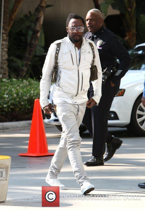 Will.i.am Arriving Amongst The Crowds Of Fans Coming To Watch The Second Finals Match Between Orlando Magic 6