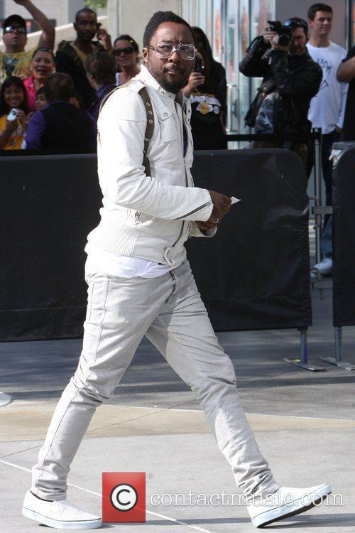 Will.i.am Arriving Amongst The Crowds Of Fans Coming To Watch The Second Finals Match Between Orlando Magic 5