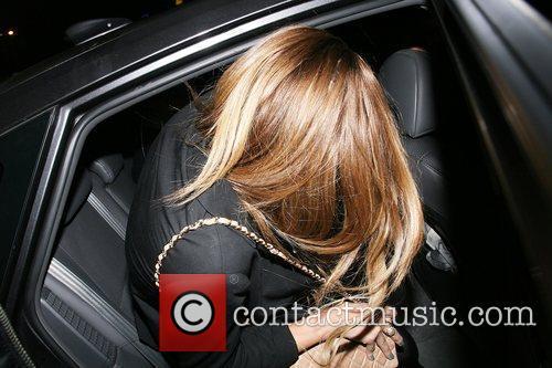 'The Hills' star Lauren Conrad tries to hide...