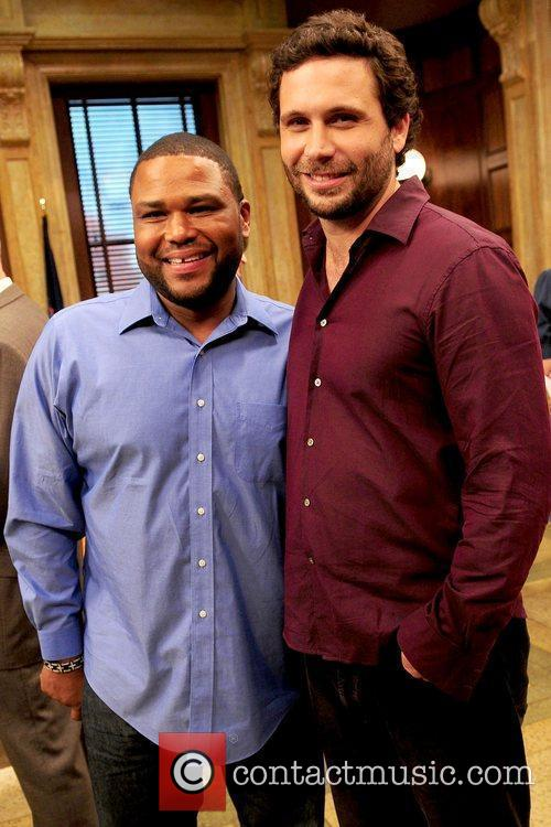 Anthony Anderson and Jeremy Sisto 1