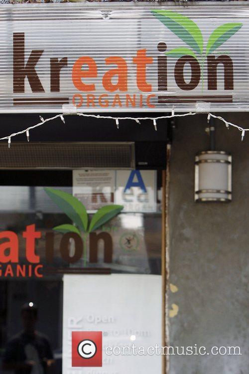 LeAnn Rimes leaves Kreation Kafe after having lunch...