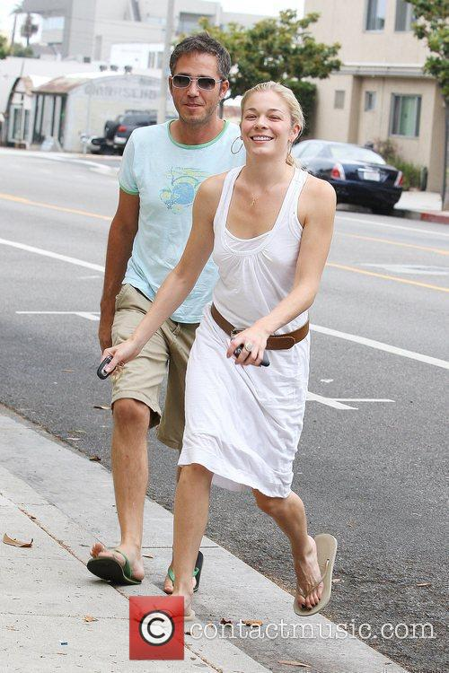 Leann Rimes and A Friend Pick Up Coffee In Santa Monica 8