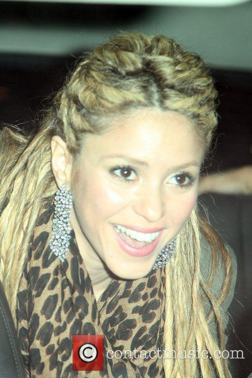 Shakira and David Letterman 6