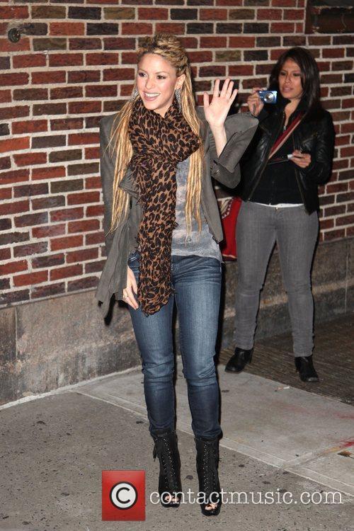 Shakira and David Letterman 7