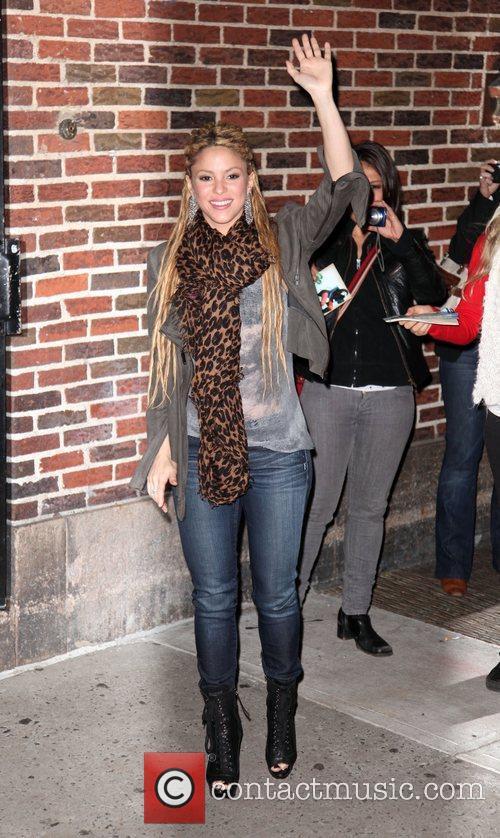 Shakira and David Letterman 14