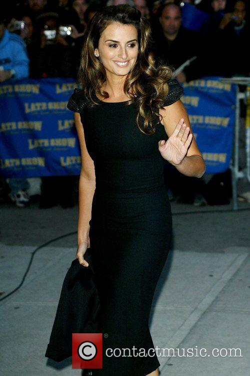 Penelope Cruz and David Letterman 17