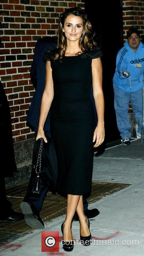 Penelope Cruz and David Letterman 16