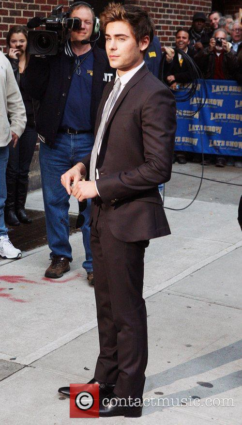 Zac Efron and David Letterman 4