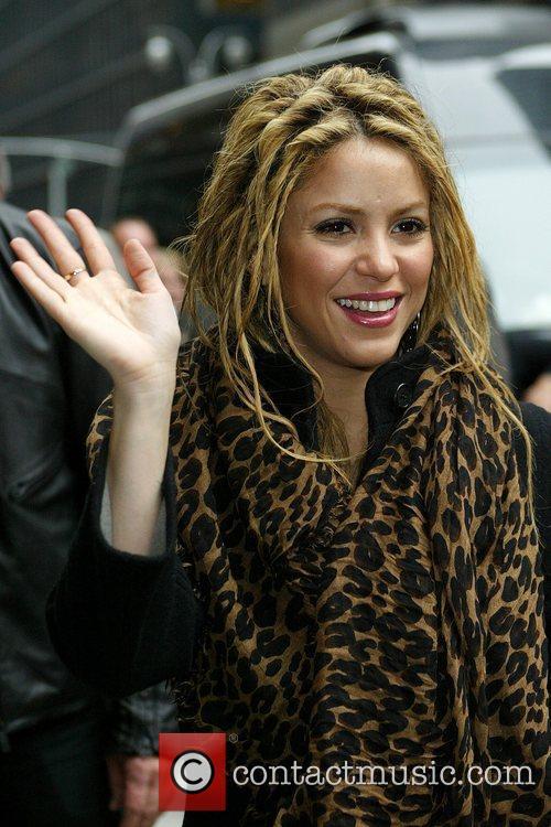 Shakira and David Letterman 26